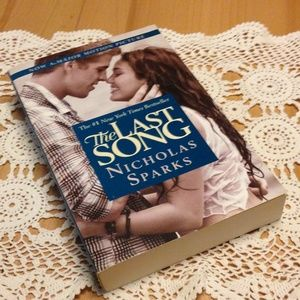 "3?$10! Nicholas Sparks ""The Last Song"""